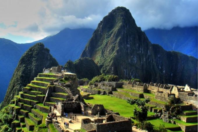 """<p class=""""Normal""""> <strong>Andes, Nam Mỹ</strong><span>: nằm trong dãy núi Andes, lối mòndẫn đến Machu Picchu là một trong những cung đường đi bộ nổi tiếng thế giới.</span></p>"""