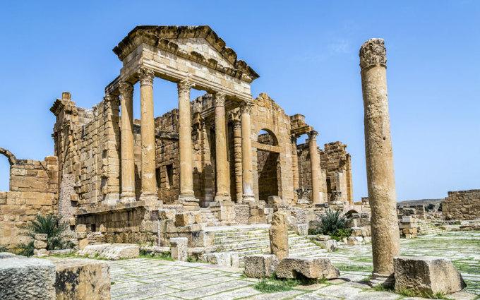 """<p class=""""Normal""""> <strong>Tunisia</strong></p> <p class=""""Normal""""> Đất nước Tunisia là nơi giao hòa giữa 2 nền văn hóa Đông - Tây, kết hợp không gian kiến trúc xưa với thế giới hiện tại một cách tinh tế. Du khách chi trung bình 349 USD cho một chuyến du lịch đến đất nước xinh đẹp này.</p>"""