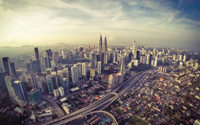 """<p class=""""Normal""""> <strong>Malaysia</strong></p> <p class=""""Normal""""> Hơn 25 triệu là số lượt khách quốc tế du lịch đến Malaysia trong năm 2013. Quốc gia này là miền đất giao thoa văn hóa với nhiều lễ hội đặc sắc và những bãi biển xinh đẹp. Trung bình mỗi du khách đến Malaysia tiêu tốn 835 USD.</p>"""