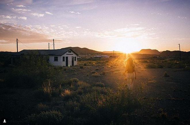 <p> <strong>Terlingua, Texas, Mỹ</strong><br /><br /> Từng được xem là một nơi sôi động của thế giới, thị trấn Terlingua có hơn 2.000 thợ mỏ sống và làm việc vào năm 1890. Các khu mỏ sau đó bị ngập nước và giá khoáng sản xuống rớt thảm hại, dẫn đến việc thị trấn bị bỏ hoang sau Chiến tranh Thế giới thứ II.</p>