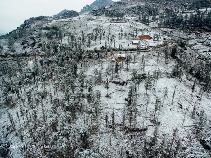 <p> Khung cảnh Sa Pa trông giống như các nước châu Âu vào mùa tuyết rơi.</p>
