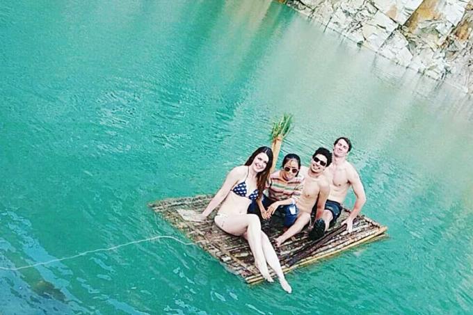 """<p class=""""Normal""""> <strong>Đà Lạt</strong></p> <p class=""""Normal""""> Hồ nước này nằm ở thôn Suối Cạn, xã Lát, huyện Lạc Dương. Để đến được đây, du khách phải chạy một đoạn đường dài khoảng 50 km từ trung tâm thành phố Đà Lạt. Không chỉ hút khách Việt, hồ nước này còn được nhiều du khách nước ngoài ghé chân.<span>Ảnh: <em>Brianna Nilsson.</em></span></p>"""