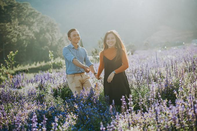 <p> Không chỉ dân du lịch, nhiều cặp đôi cũng chọn nơi đây để lưu giữ lại những khoảnh khắc cho album ảnh cưới.</p>