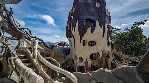 'Crazy house' in Da Lat went to American newspaper