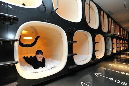 Bên trong một khách sạn con nhộng ở Nhật.Ảnh:asian wanderlust.