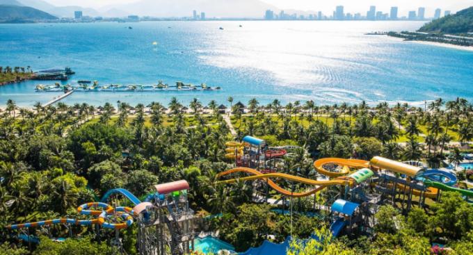 Explore three modern water parks in Vietnam