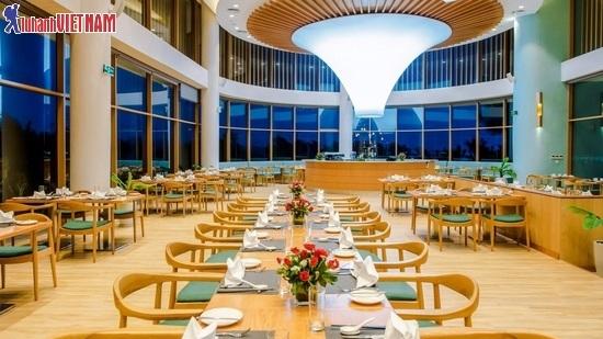 Thưởng thức bữa ăn sang trọng tại nhà hàng Terrace Bay, FLC Quy Nhơn.