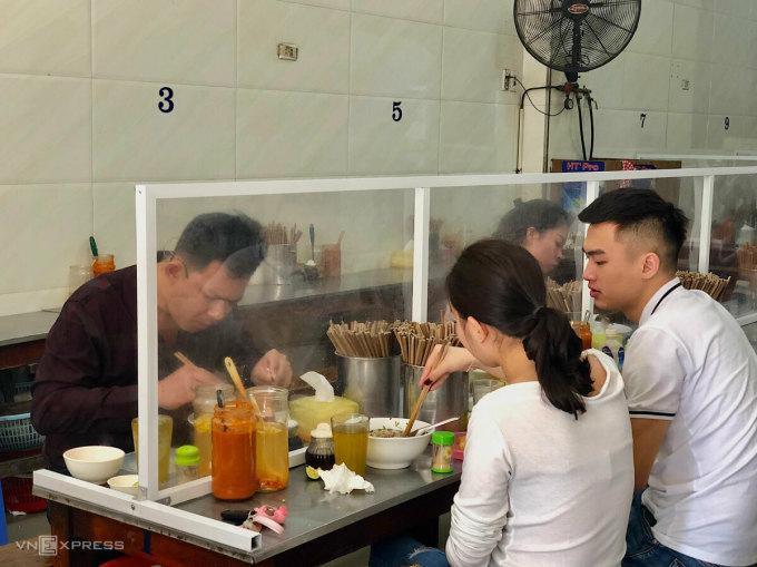 Bun-pho-vach-ngan-sang-tao-tro-7223-3235-1588073827.jpg?w=680&h=0&q=100&dpr=1&fit=crop&s=QPOqt9oqWCKo69AeK4kKPw