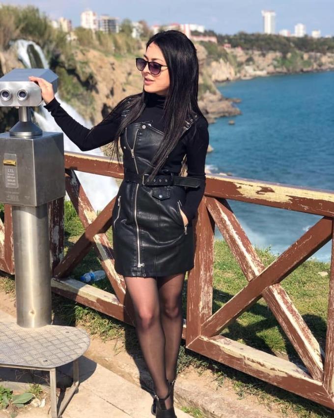 Olesya từng đăng ảnh chụp trước thác nước trên vào tháng 4/2019. Ảnh:Olesya Suspitsyna/Facebook.