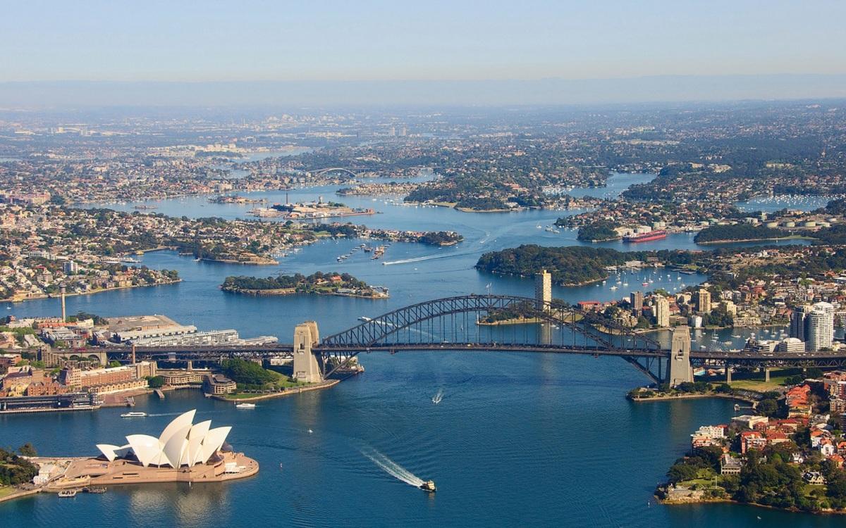 australia-1588832434.jpg?w=1200&h=0&q=100&dpr=1&fit=crop&s=I7x8PseIt1VT3S2A4ULw8Q