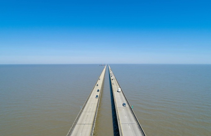 Many drivers do not dare to go through the longest bridge in the world