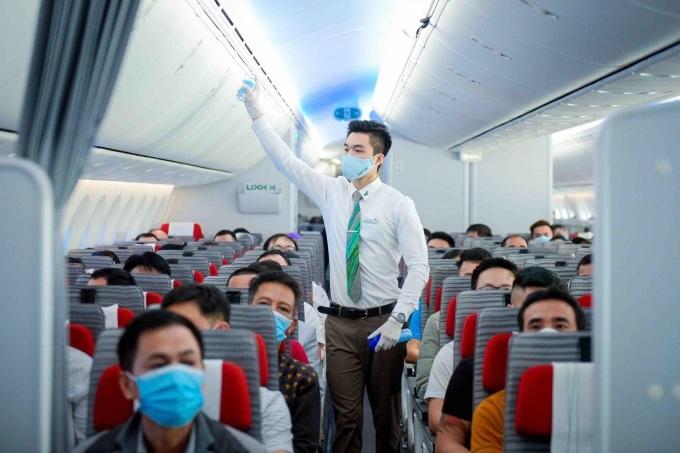 Dung dịch khử khuẩn được chứng nhận an toàn với sức khỏe con người.