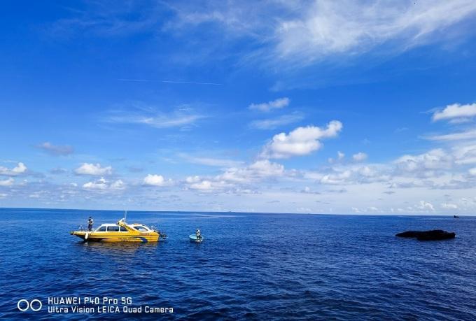 Tháng 5-6 là mùa biển êm, gió nhẹ, du khách có thể di chuyển ra các đảo nhỏ như Hòn Đen, Hòn Trứng, Hòn Giữa, Hòn Đỏ, Hòn Tranh. Dù vậy, bạn nên tham khảo thêm dự báo thời tiết trước khi đi. Lịch trình 2-3 ngày đủ khám phá đảo lớn, trong khi nếu muốn thăm thú hết các đảo nhỏ thì du khách cần ít nhất 4-5 ngày.