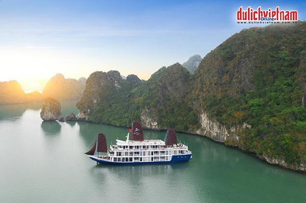 Du thuyền 5 sao Lapinta cruise khám phá vịnh Lan Hạ hoặc đảo Cát Bà.