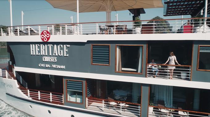 Các doanh nghiệp khai thác tour ngủ đêm trên vịnh Lan Hạ đều khẳng định, du thuyền mang số hiệu HP đều không được đưa khách sang vịnh Hạ Long (Quảng Ninh). Ảnh: P. H