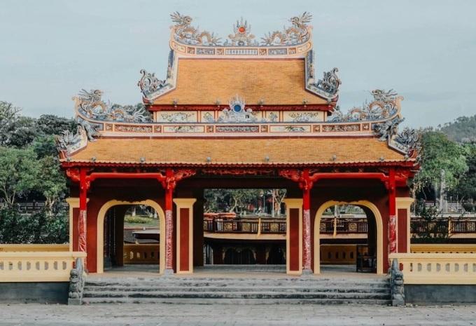 Nghênh Lương Đình - công trình Triều Nguyễn xuất hiện trên mặt sau tờ 50.000 đồng.
