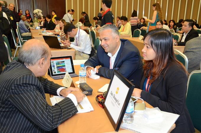 Hội chợ du lịch quốc tế TP HCM đã trở thành sự kiện du lịch thường niên, thu hút sự tham gia của hàng trăm người mua đến từ nhiều quốc gia. Ảnh: Nguyễn Nam.