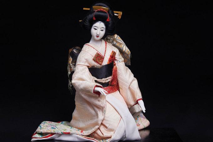 Búp bê truyền thống Nhật Bản trong trang phục Kimono. Ảnh: Trung tâm Giao lưu Văn hóa Nhật Bản.