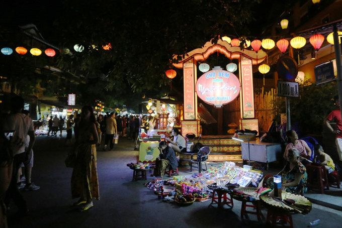 Chợ đêm Hội An mở cửa trở lại từ tối 10/7. Ảnh:Đắc Thành.