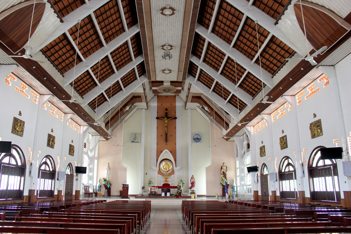 Ngôi giáo đường có mái đầu đao