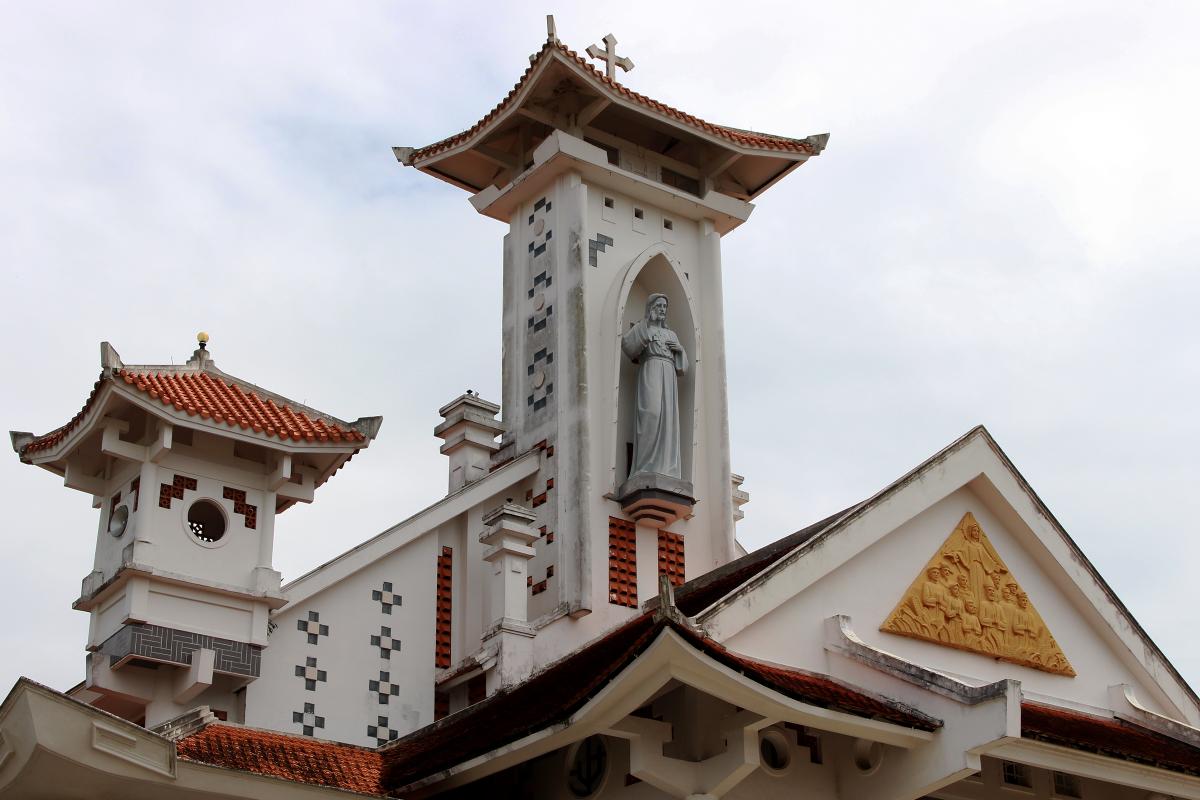 Ngôi giáo đường có mái đầu đao - 2