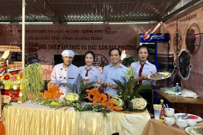 Gian hàng ẩm thực của thị xã Quảng Yên tại Liên hoan Ẩm thực toàn quốc - Quảng Ninh năm 2018. Ảnh: Trung tâm Thông tin và Xúc tiến du lịch Quảng Ninh.