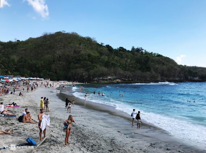 Đến nay phòng Quản lý Xuất nhập cảnh Bali đã gia hạn visa tự động cho hơn 7.000 du khách mắc kẹt trên hòn đảo.