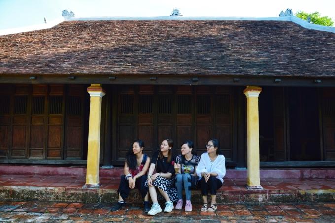 Với nét kiến trúc cổ kính và những căn nhà rường hàng trăm tuổi, làng cổ Phước Tích là một trong hai ngôi làng của Việt Nam được công nhận là di tích quốc gia cùng với làng cổ Đường Lâm (Hà Nội).
