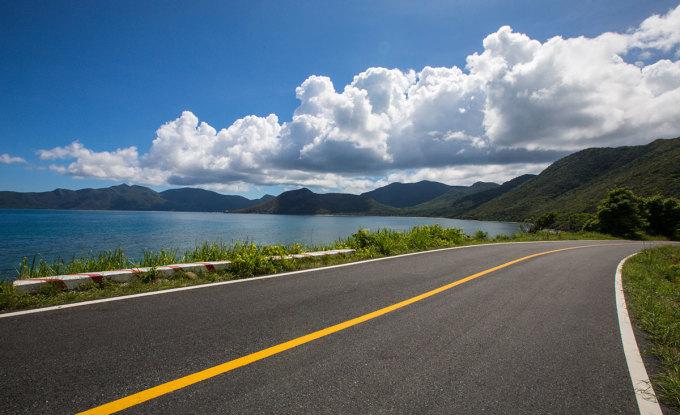 Đường từ sân bay về trung tâm Côn Đảo