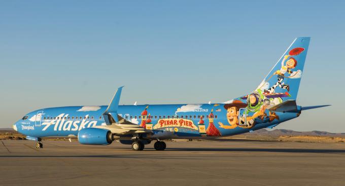 Thân máy bay có thể là đất quảng cáo đắt giá cho các hãng hàng không. Ảnh: World Airline News