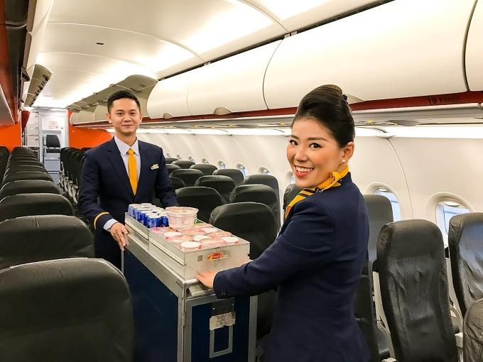 Liên danh Vietnam Airlines - Pacific Airlines bán vé Tết 2021 giá từ 509.000 đồng, tương đương 960.000 đồng một chiều bao gồm thuế, phí trên các chuyến bay.