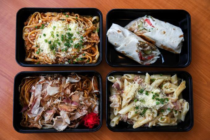 Thực khách có thể thưởng thức những bữa ăn vốn chỉ bán trên máy bay. Ảnh: Reuters