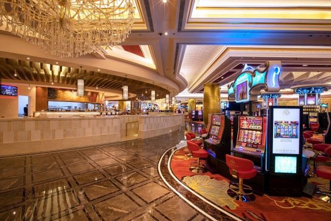 Không gian hiện đại bên trong Corona Casino.