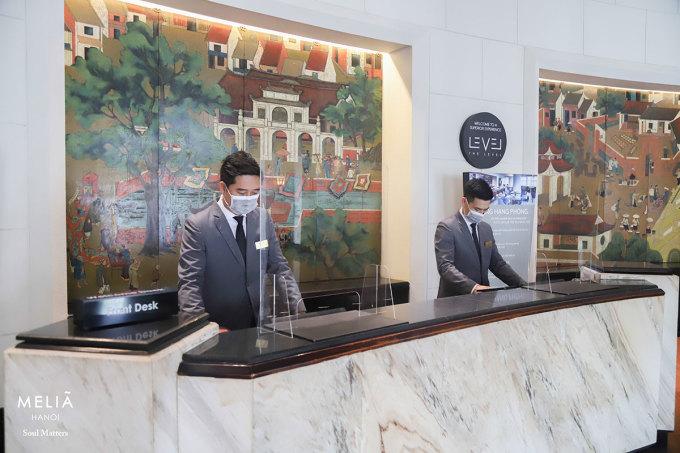 Ưu tiên của khách sạn trong thời gian này là đảm bảo an toàn cho khách lưu trú với chiến dịch Stay safe with Meliá, giữ vững tiêu chuẩn dịch vụ 5 sao đồng thời gia tăng ưu đãi cho khách sử dụng dịch vụ. Ảnh: Meliá Hanoi.