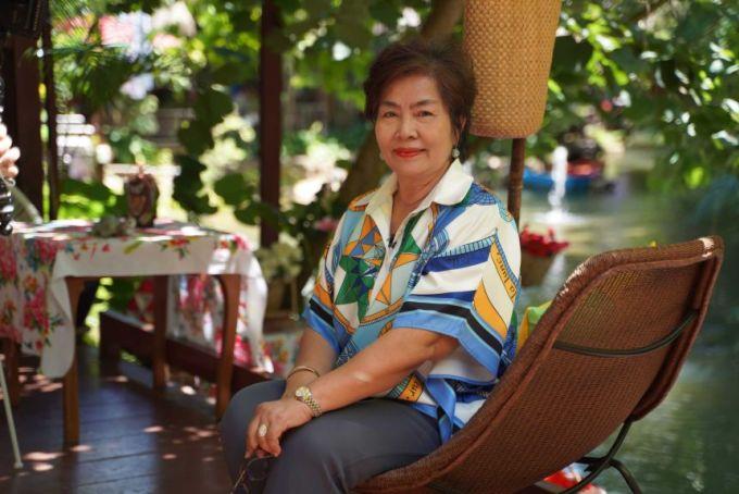 Nhà hàng của Pornthip Aeng-chaun (ảnh) bị ảnh hưởng và phải đóng cửa trong đại dịch. Quán mới mở lại từ tháng 5, nhưng kinh doanh không có lãi và lương nhân viên phải giảm. Ảnh: ABC