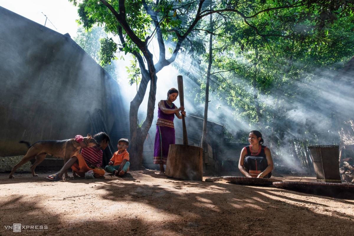 Nét đẹp phụ nữ Việt dọc miền đất nước - 7