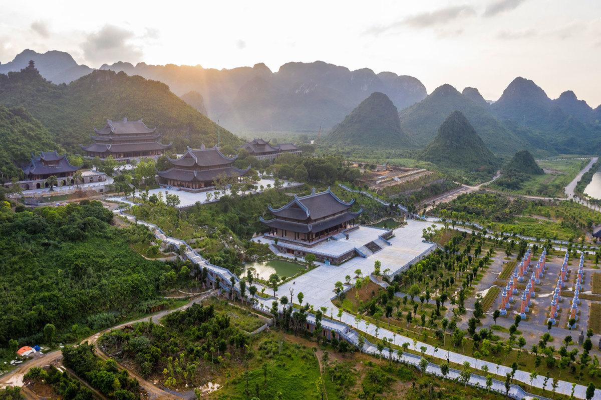 Cảnh sắc chùa Tam Chúc