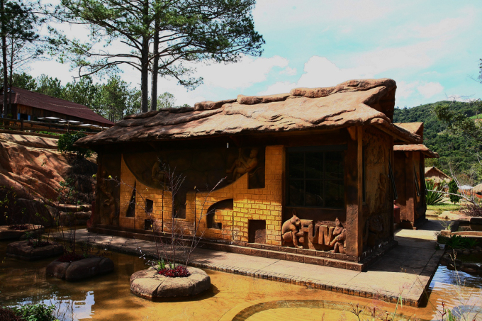 Ngôi nhà xây bằng đất đỏ ở Đà Lạt - 24