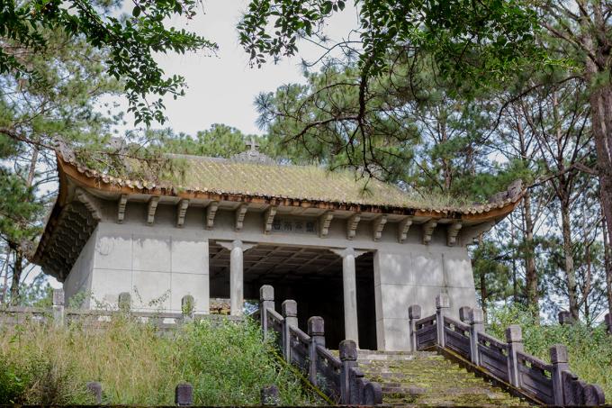 Kiến trúc lăng mộ của Quận công Nguyễn Hữu Hào. Ảnh: Minh Đức
