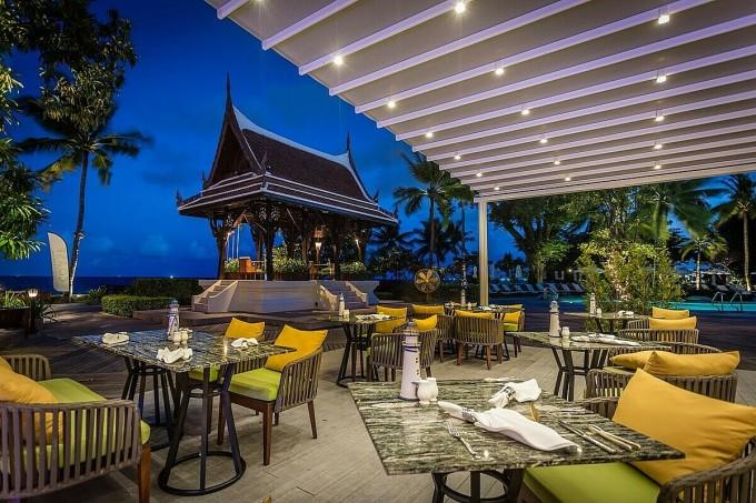 Đại diện Centara Hotels & Resorts cho biết, các khách sạn do đơn vị này quản lý thu hút du khách toàn cầu nhờ sự pha trộn giữa tính hiếu khách của dân tộc Thái Lan và các trải nghiệm nghỉ dưỡng đẳng cấp thế giới. Các điểm đến của Centara đều duy trì yếu tố hiện đại, kết hợp hài hòa với việc đề cao bảo tồn yếu tố tự nhiên và văn hóa bản địa của từng quốc gia.