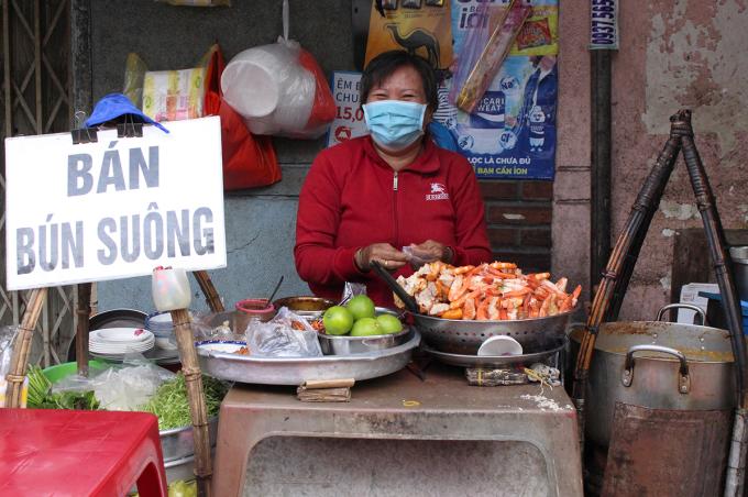Gánh bún suông ba đời ở vỉa hè Sài Gòn