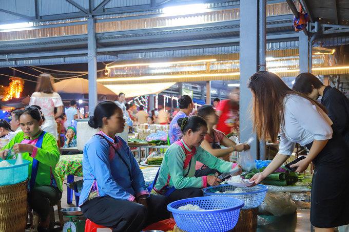 Bánh phở - đặc sản truyền thống của dân tộc Giáy,  xã San Thàng được nhiều người yêu thích. Ảnh: Hồng Thủy