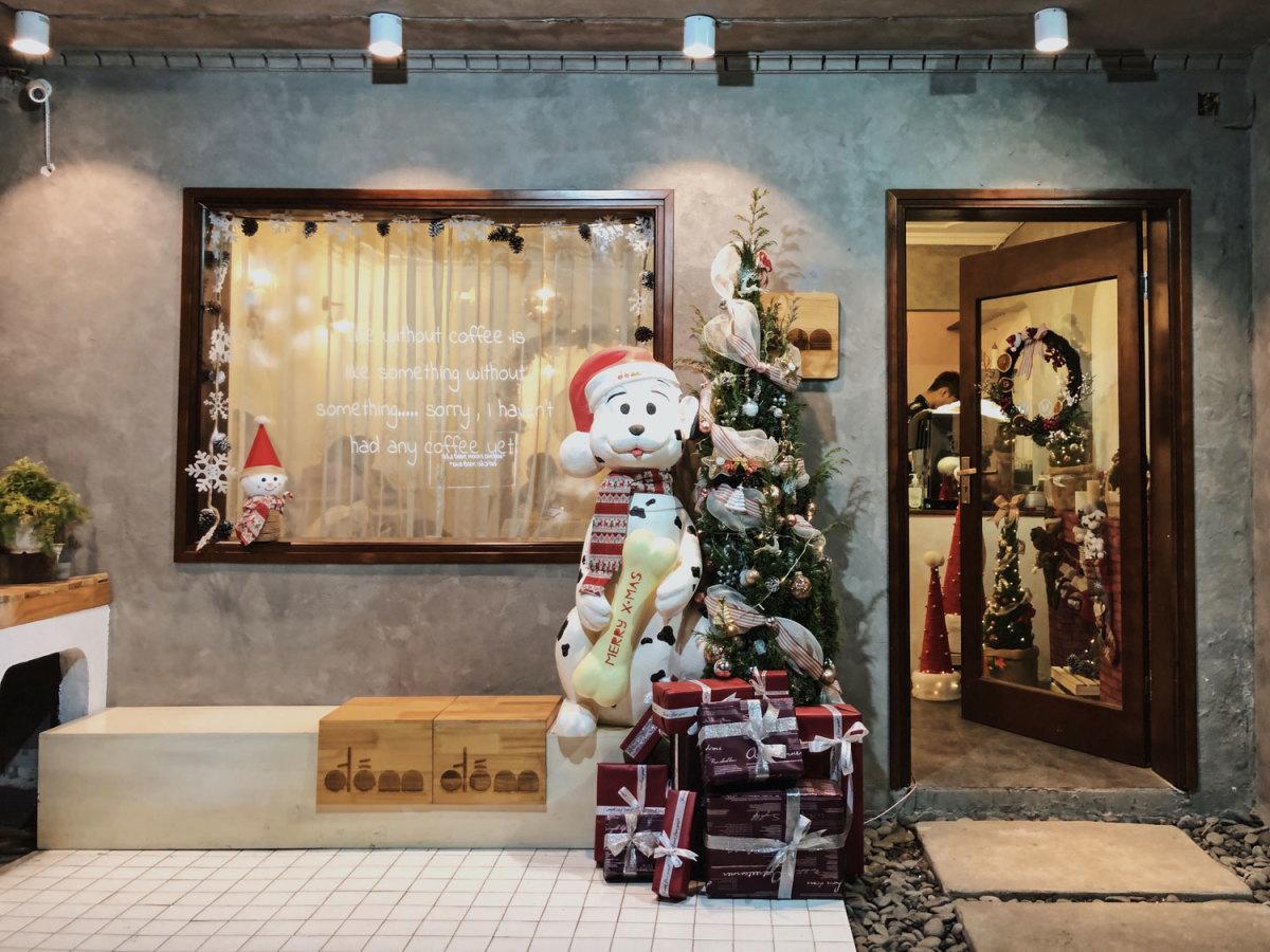 Check-in 8 quán cà phê đẹp mùa Giáng Sinh