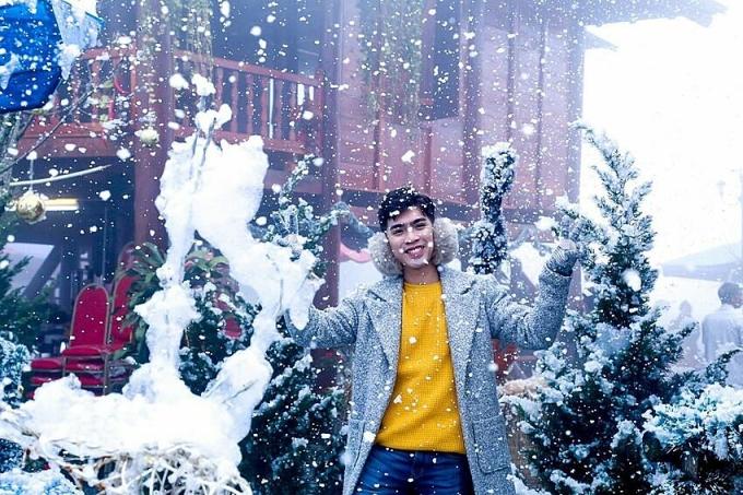 Lễ hội mùa đông Fansipan là một trong những hoạt động thường niên được khu du lịch Sun World Fansipan Legend tổ chức vào tháng 12 hàng năm. Nội dung, cách thức và chủ đề thay đổi mỗi năm để du khách luôn thấy mới lạ, cuốn hút. Chương trình năm nay sẽ diễn ra từ ngày 19/12/2020 đến 31/1/2021