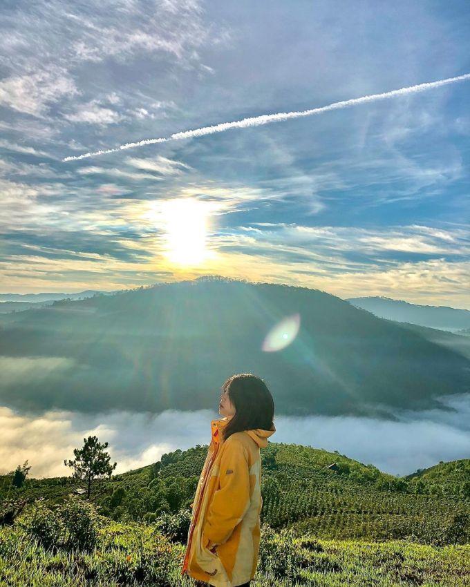 Đồi Yumonang ở Đạ Sar, một trong những vị trí lý tưởng để săn mây, đóng cửa tháng 5/2020. Ảnh: ha.hongduyen/Instagram