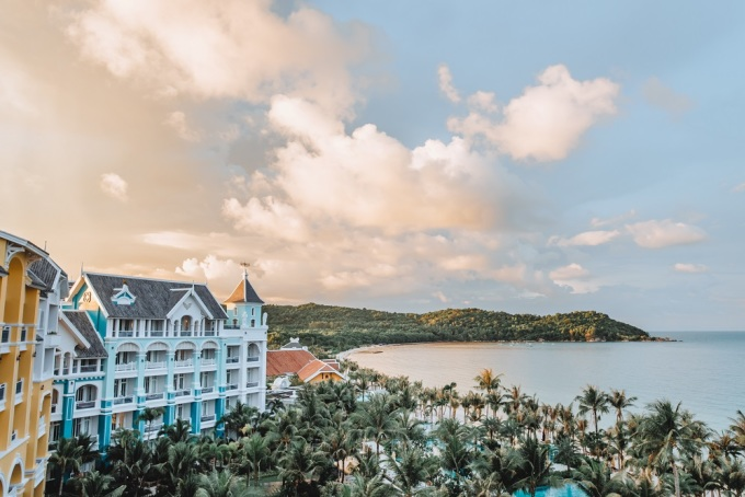 JW Marriott Phu Quoc Emerald Bay Resort is located on the pearl island of Phu Quoc with a poetic landscape.  PLEASE NAME OF PHOTO PERSONNEL.