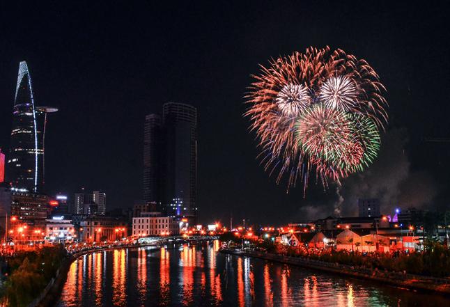 TP HCM sẽ bắn pháo hoa mừng Tết Dương lịch và lập TP Thủ Đức. Ảnh: Duy Trần