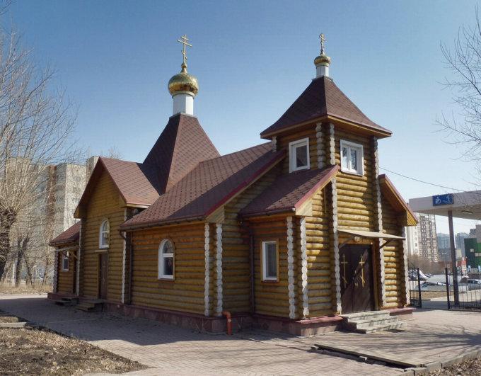 Nhà thờ một ngày thờ Thánh Nicholas được xây tại Zarechny, Penza Oblast trong một dự án quốc tế 7 nhà thờ tại 7 thành phố trong một ngày vào năm 2011. Ảnh: svyatural