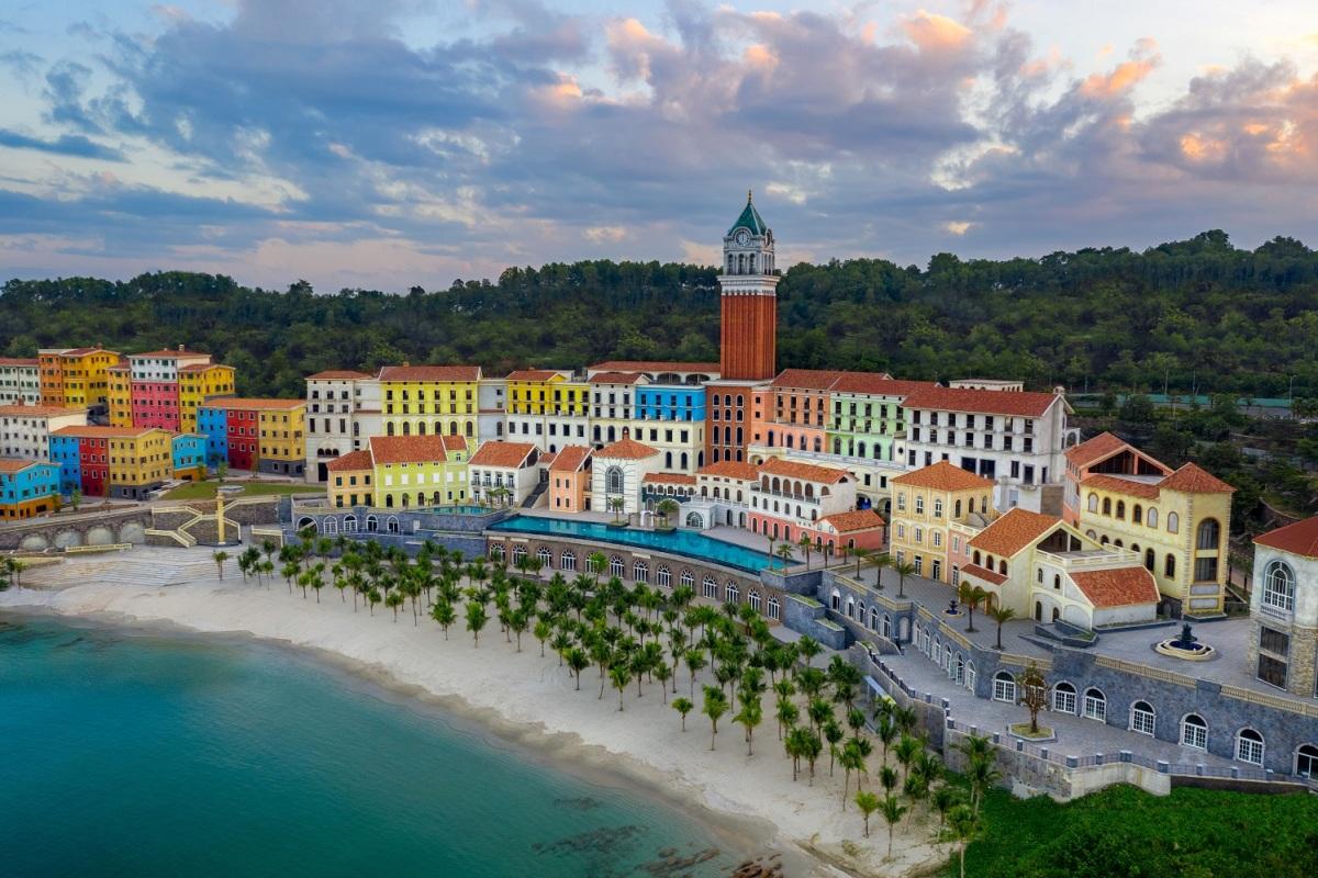 'Thị trấn Địa Trung Hải' - điểm đến mới ở Phú Quốc