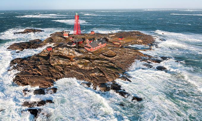 Tìm người tới đảo Thụy Điển để xem phim trong 7 ngày